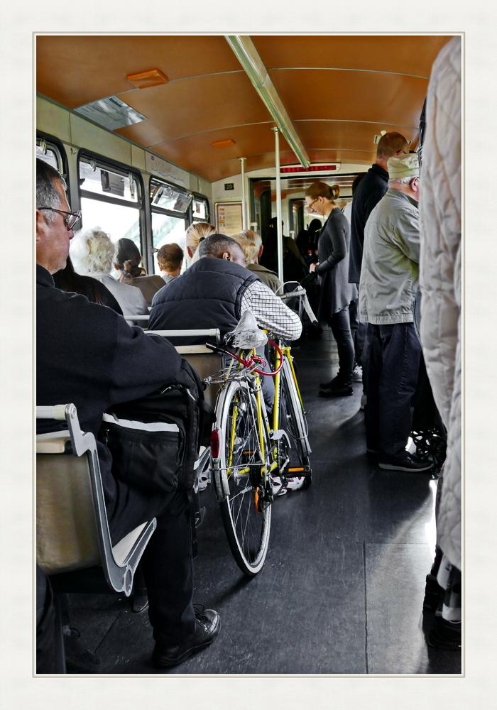 Fahrrad fährt mit