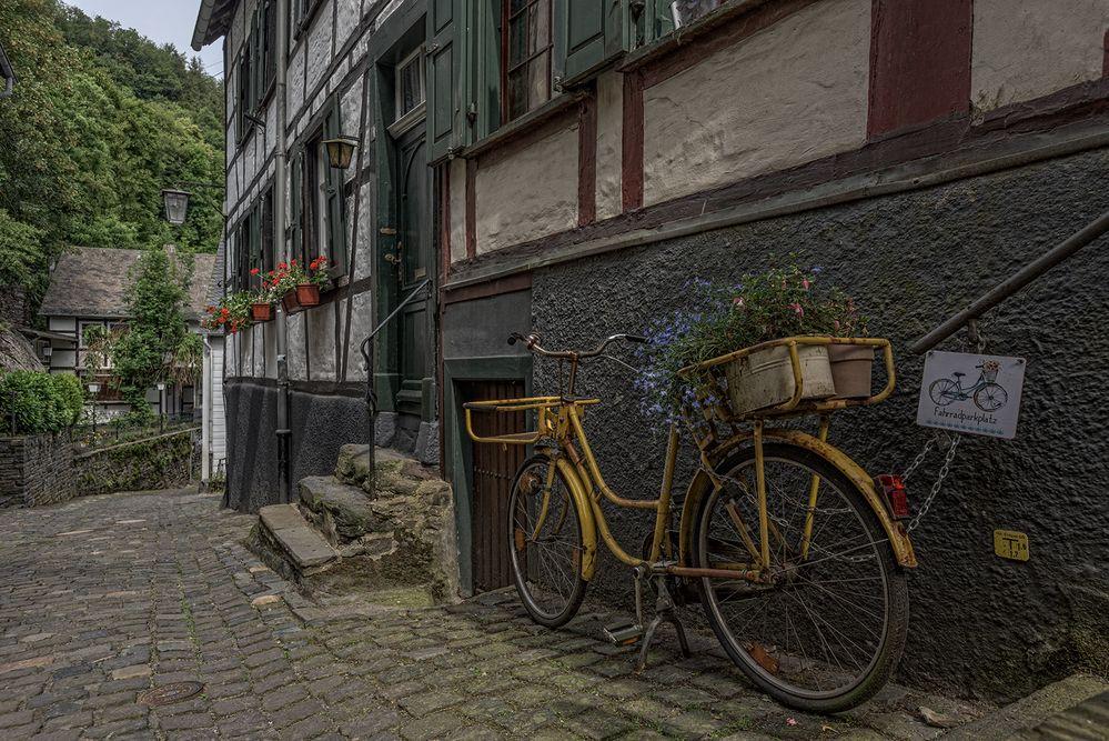 Fahrradparkplatz in Monschau