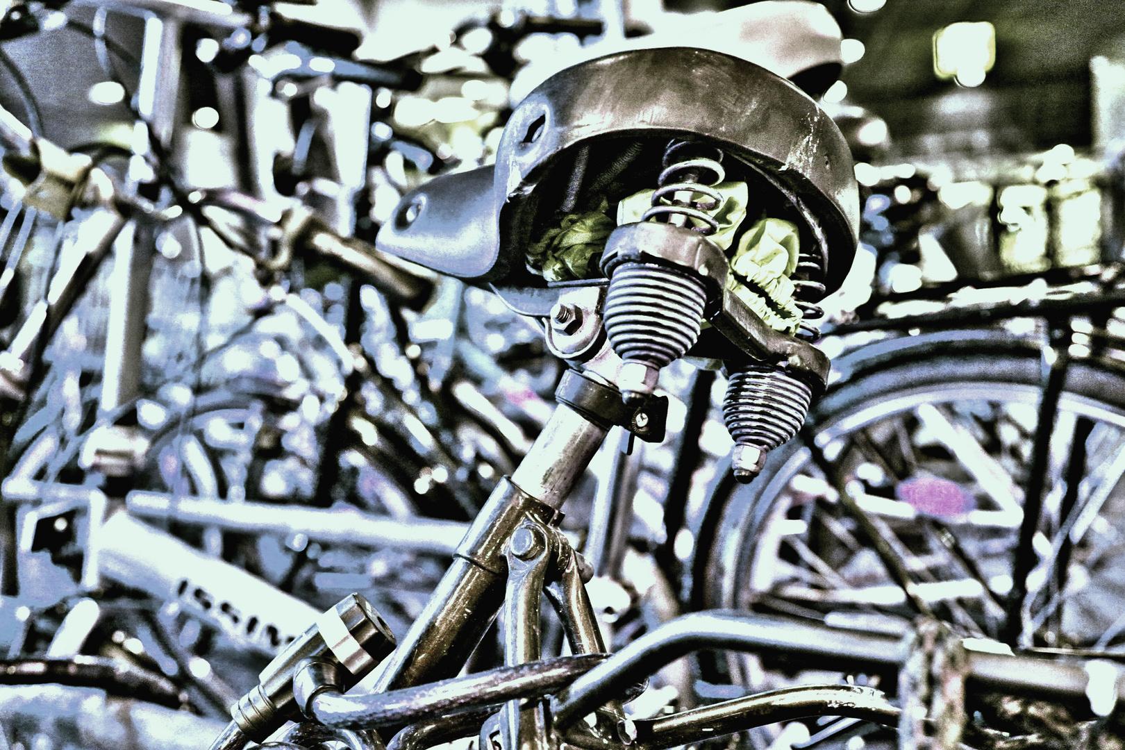 Fahrräder am Düsseldorfer HBF - Stahl