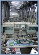 Fahrstuhl für große und kleine Schiffe schon fast oben