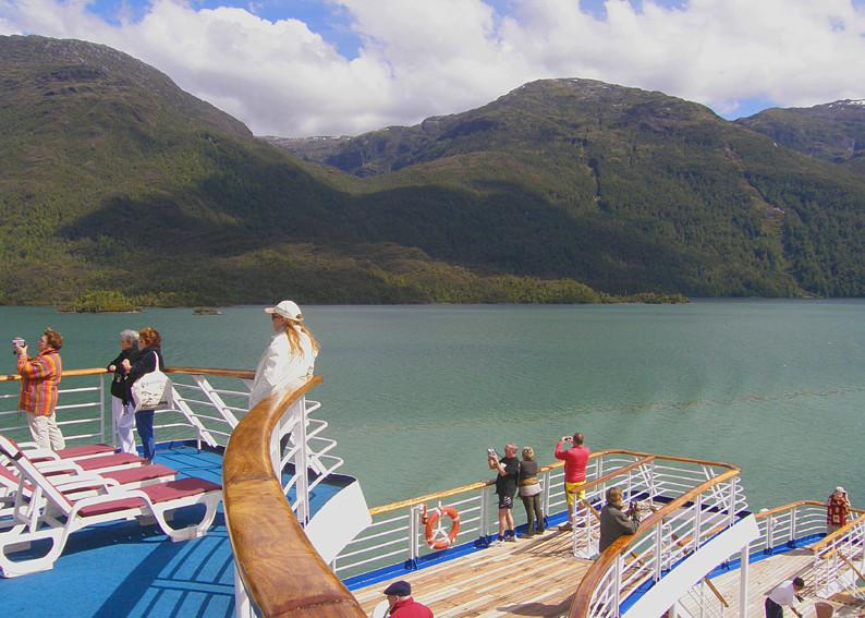 Fahrt durch die chilenischen Fjorde