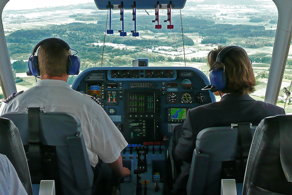 Fahrt mit dem Zeppelin, Cockpit des Zeppelin