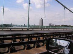 Fahrt über Mühlheimer Brücke