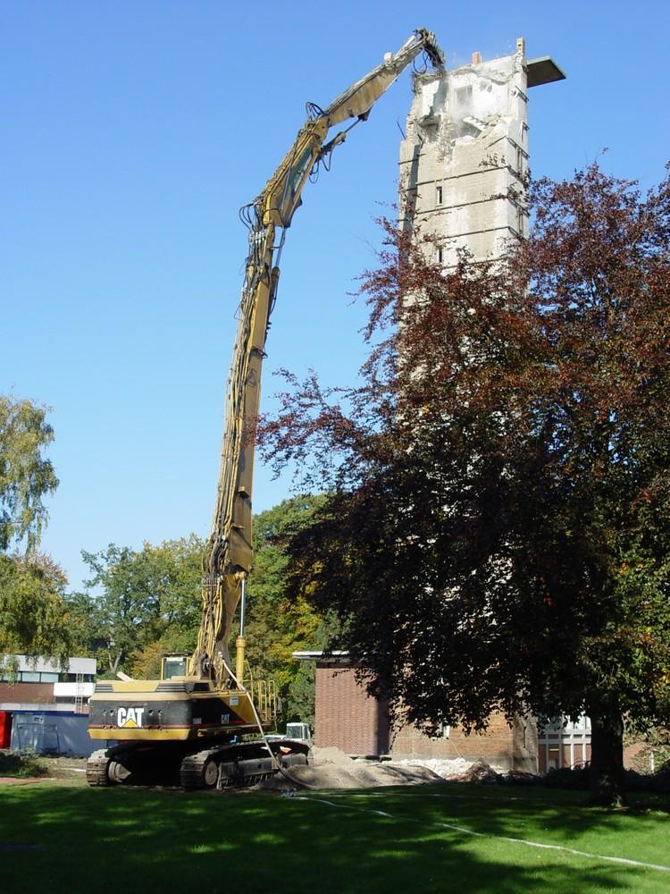 Fall des Max-Wien-Turms