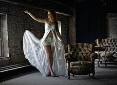 Fallendes Kleid