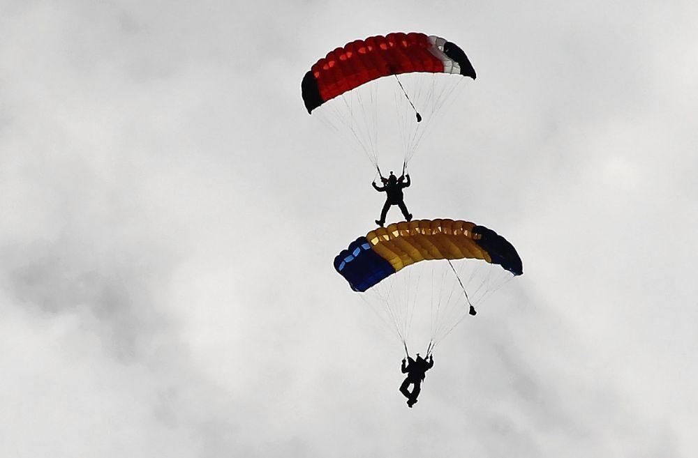 Fallschirm Mitfahrer? Foto & Bild | sport, deutschland
