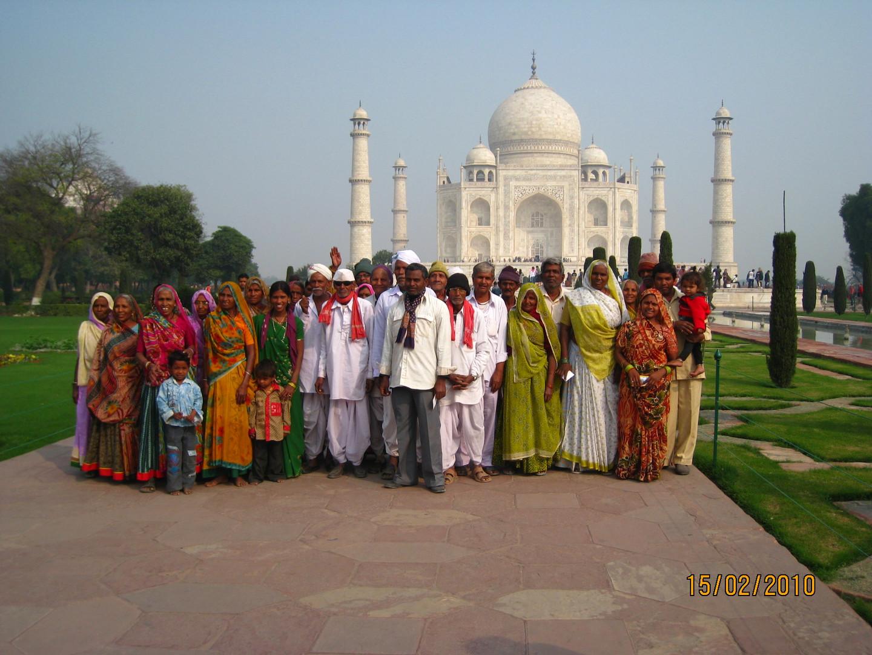 FAMILIA INDIANA TAJ MAHAL