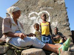 Familie am Straßenrand auf Cabo Verde