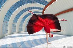 Fanny im roten Kleid