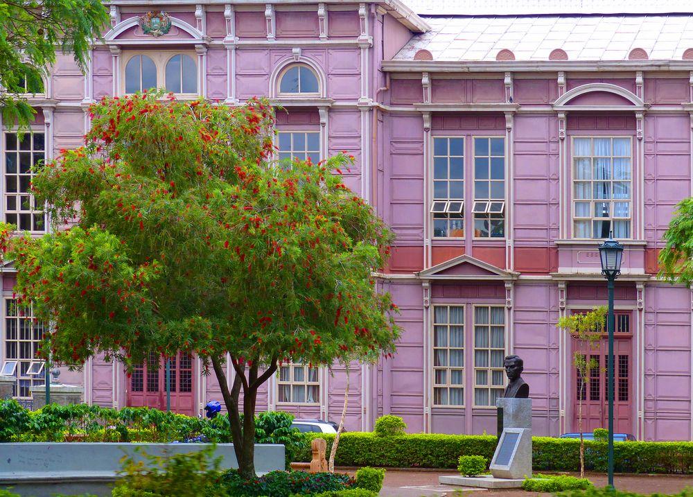 Farben in San José