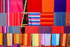Farbenprächtige Handwebkunst der Dorze...