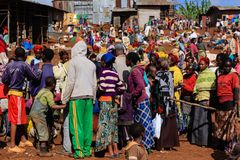 Farbenprächtiger Markt in Chencha...