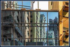Farbig Hong Kong im Spiegel 3