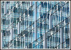 Farbig Hong Kong im Spiegel 7