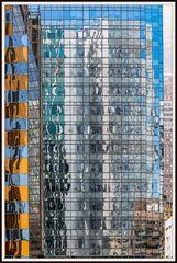 Farbig Hong Kong im Spiegel 9