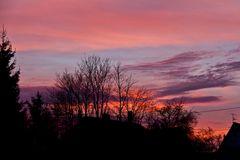 Farbspiel am Himmel nach Sonnenuntergang