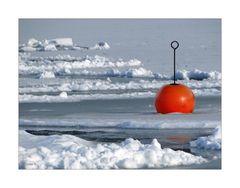 Farbtupfer im Eis