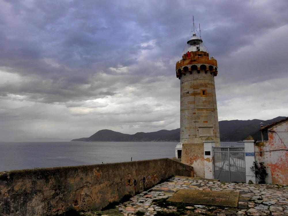 Faro di Forte Stella