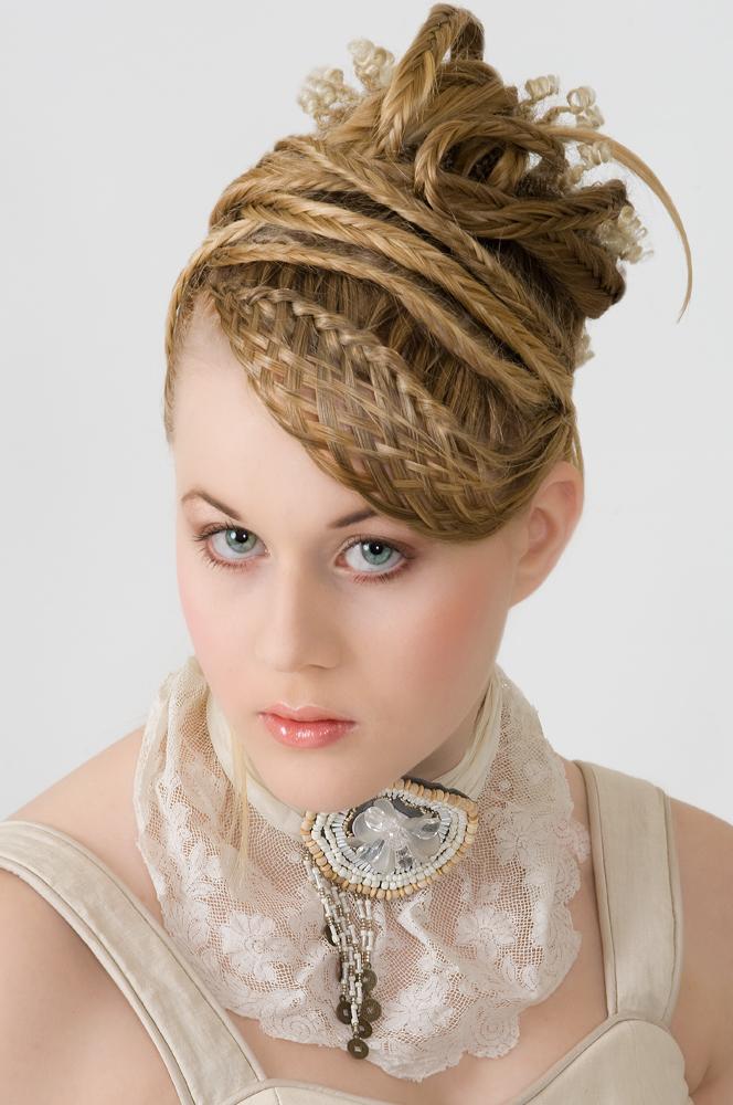 Fashion Flechtfrisuren und Make up 04