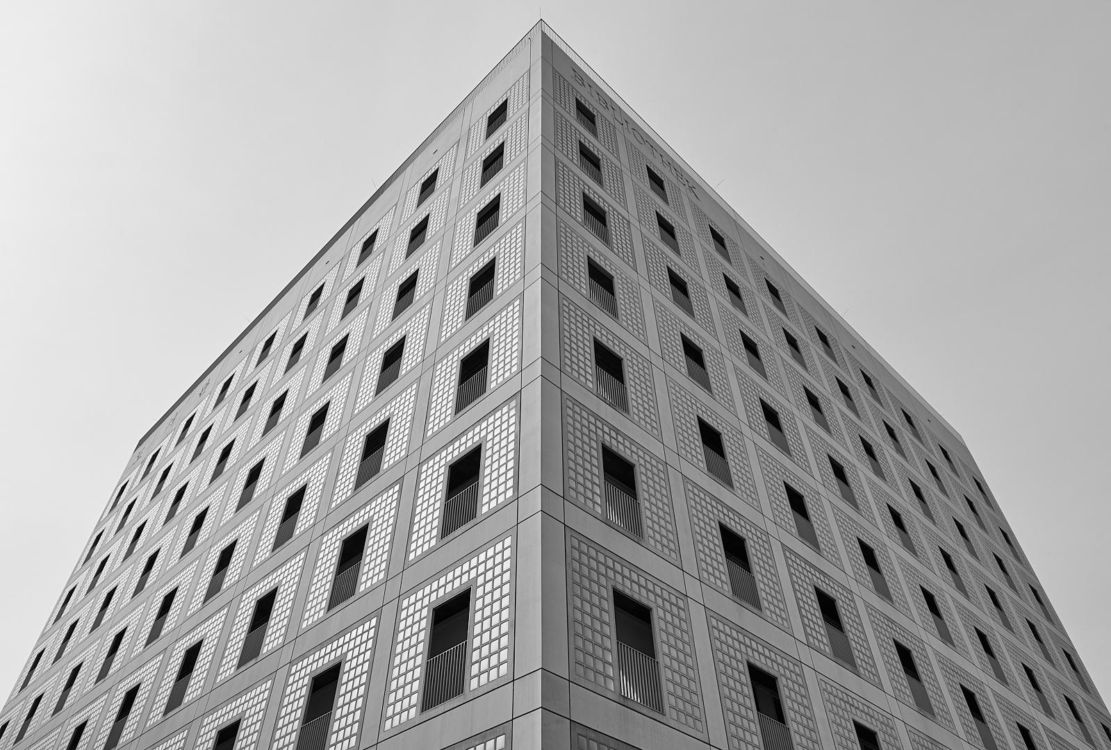 Fassade der Bildungsanstalt (Stadtbibliothek) in Stuttgart...