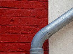 Fassade, Hauswand, Dachrinne, Rot