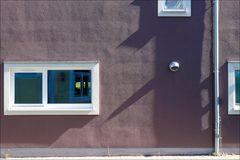 Fassade im Streiflicht