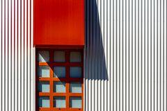 Fassadengrafik | rotes Fenster