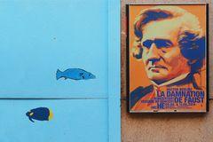 Plakate und Bauzäune