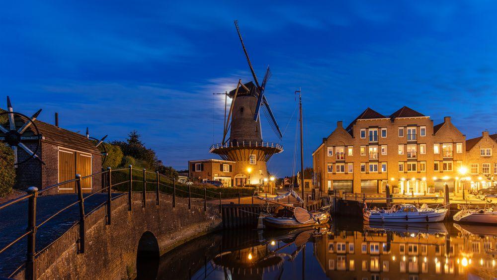 Mühle in Willemstad von Jürgen Hüttel
