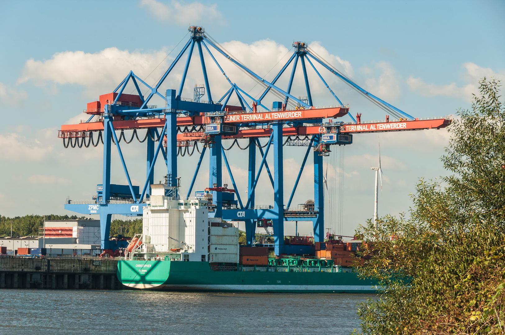 Feeder Am Containerterminal Hamburg Altenwerder Foto Bild