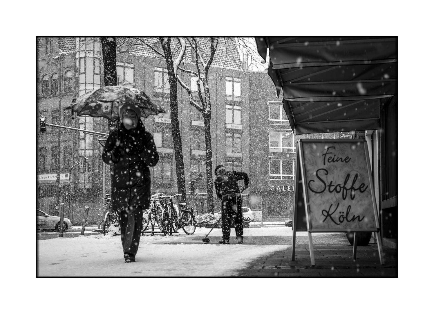 Feine Stoffe Köln Foto Bild Erwachsene Zwei Menschen Mehrere