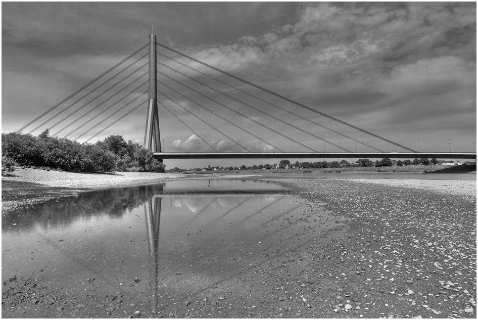 Felher Brücke, heute mal in S/W.