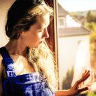 Felice am Fenster