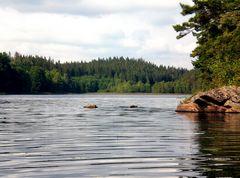 Felsen im See – Südschweden – Götaland