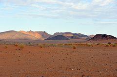 Felswüste bei Tafraout Hassi Fougani