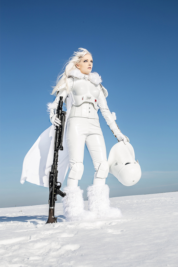 Fem-Snowtrooper II
