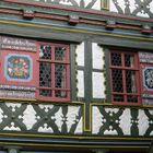 Fenster eines Fachwerkhauses in Meiningen