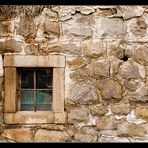 Fenster mit Loch