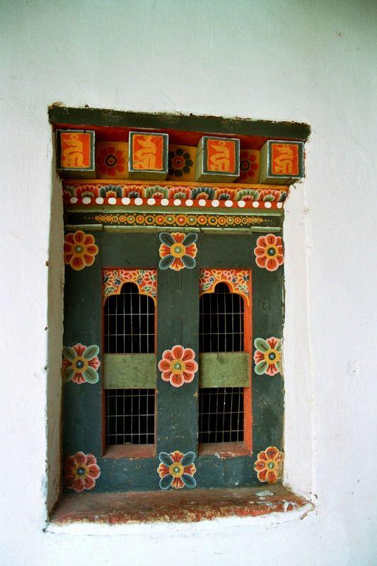 Fenster mit typischen Ornamenten