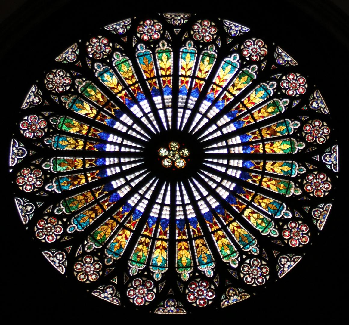 Bildergebnis für gotisches kirchenfenster rosette