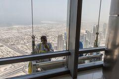 Fensterputzer am Burj Kahlifa