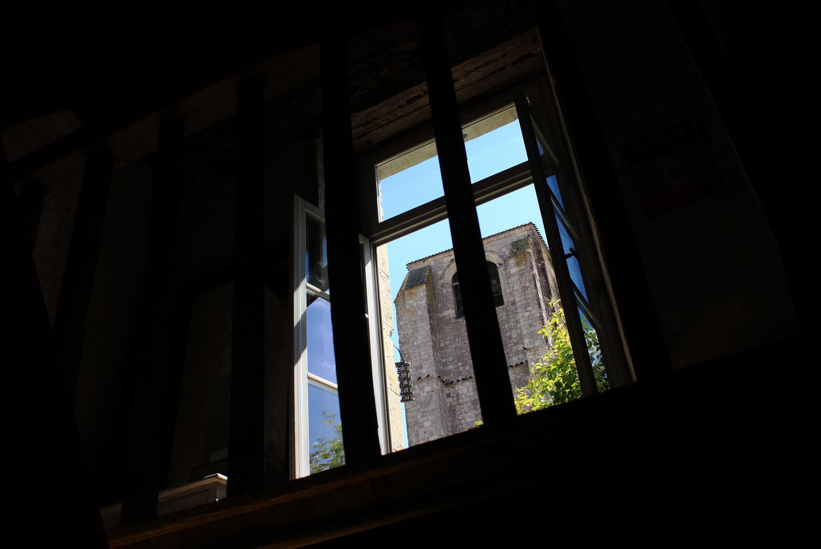 Fenêtre sur Cour.........