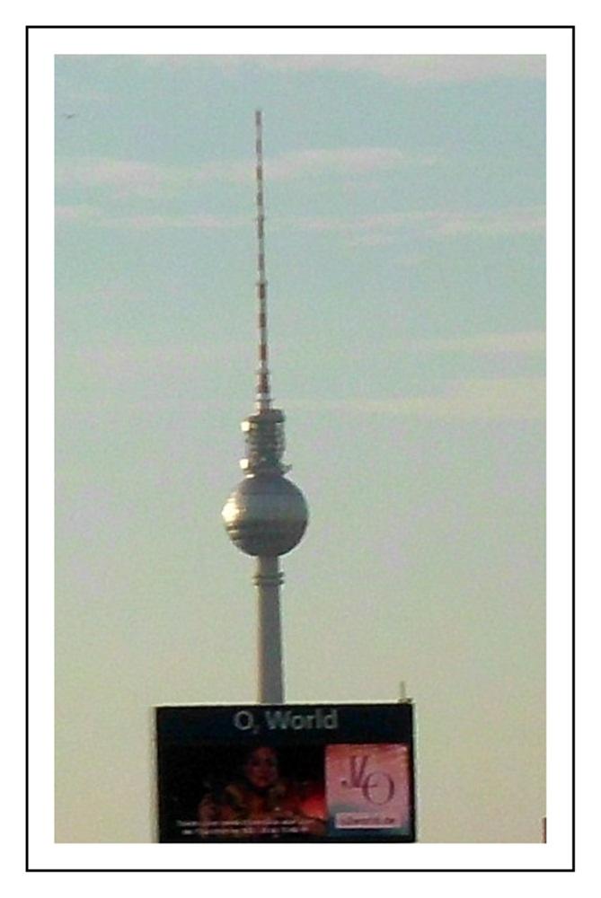 Fernsehturm Berlin,von der Oberbaumbrücke aus