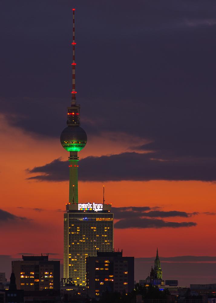 Fernsehturm Rot/Grün
