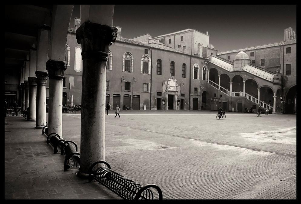 Ferrara, piazza del municipio