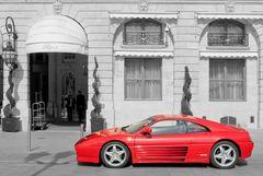 Ferrari vor dem Ritz in Paris