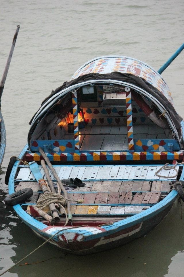 Ferry on the GANGES