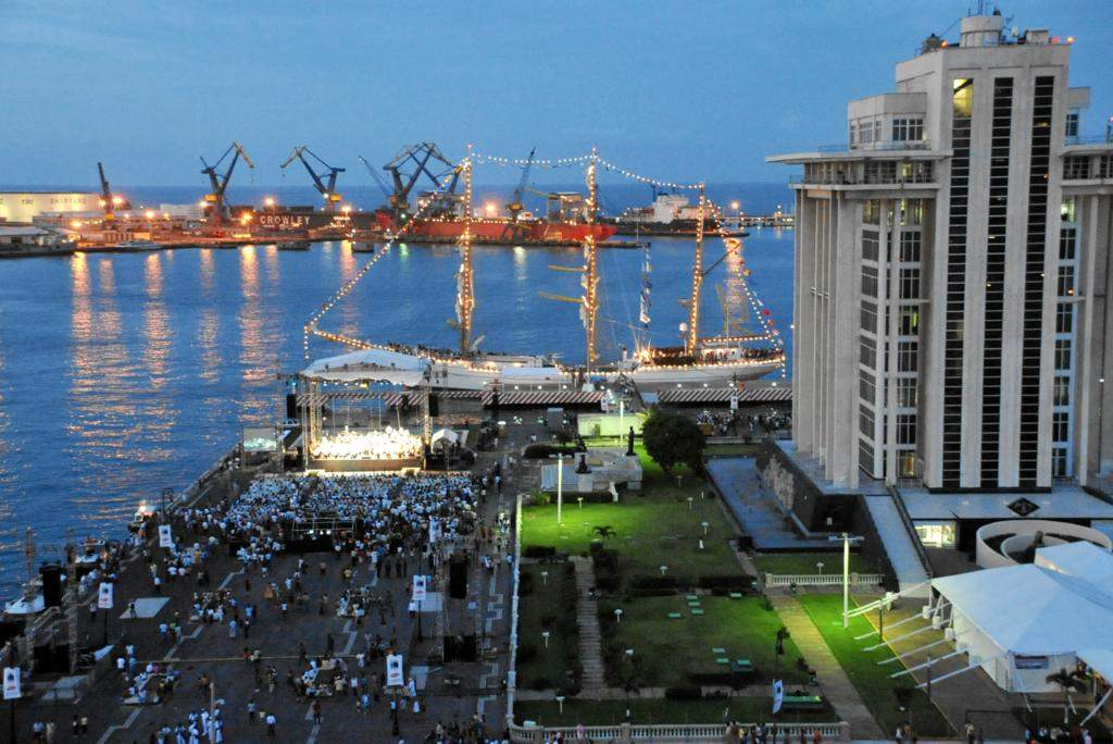 Festejos en el Malecón del Puerto de Veracruz, México