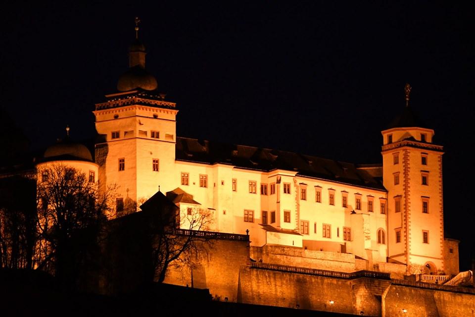 Festung nachts