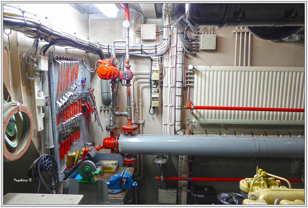 Feuerlöschboot - Technikräume im Boot unten - 4